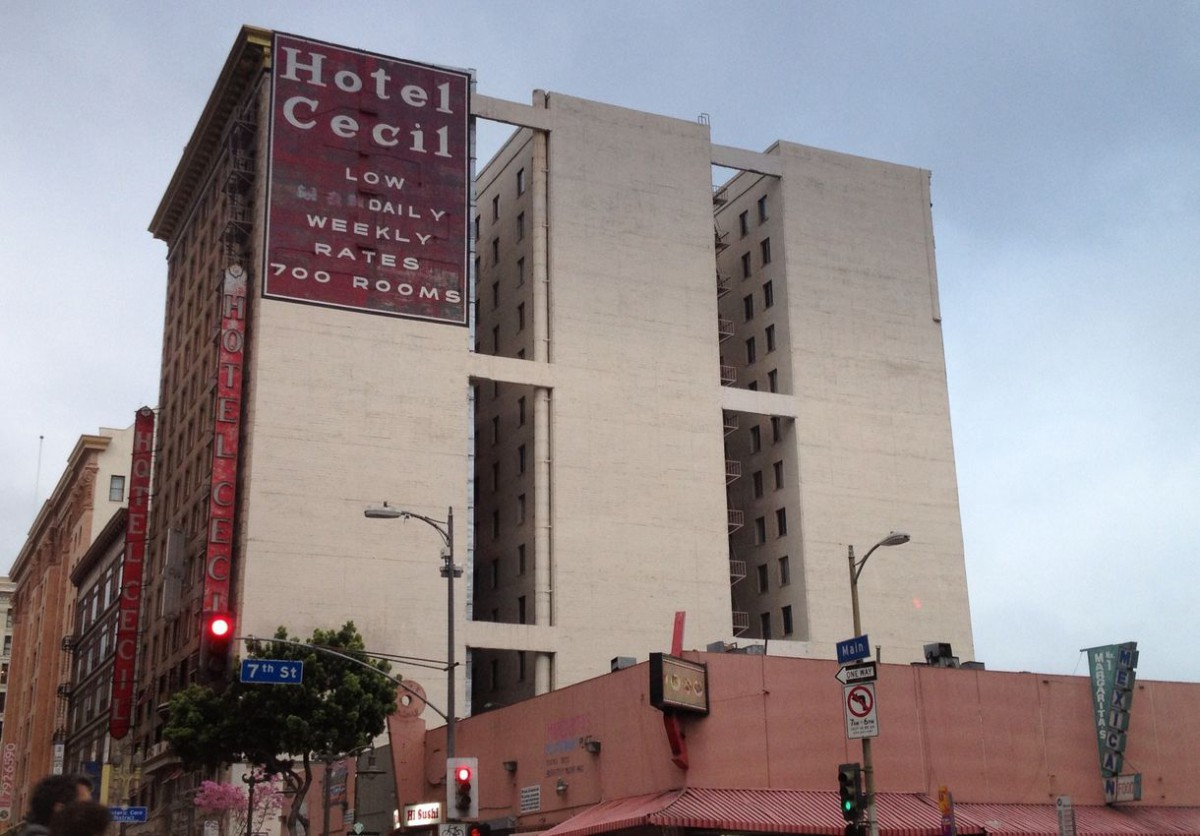 10 horrifyingly haunted places you 39 ve never seen page 4 for Haunted hotels in los angeles ca